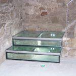 mazmorra: restos arqueológicos bajo la escalera
