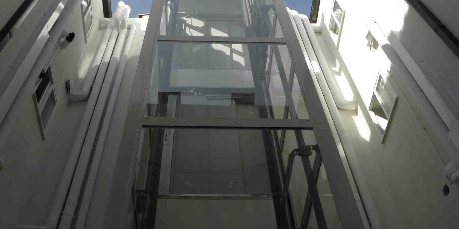 Instalación de ascensor en c/Anzánigo nº 14 Zaragoza